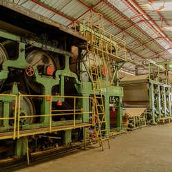 indústria de bobinas de papel kraft